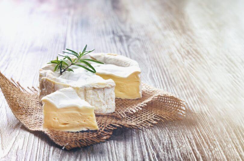 A quel âge, un bébé peut-il manger du fromage ?