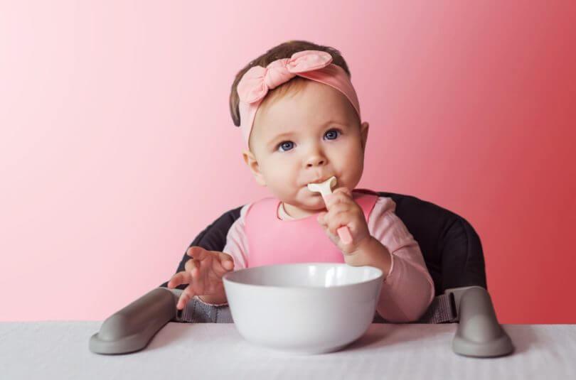 A partir de quel âge manger tous ensemble à table ?