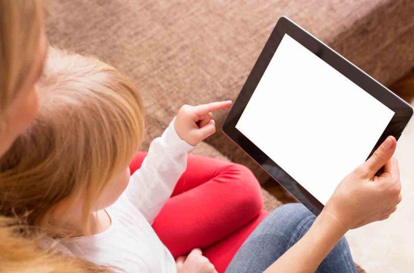 Comment gérer les écrans avec les enfants pendant les vacances ?