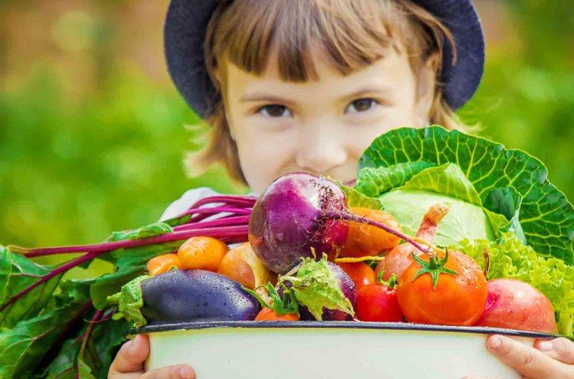 Comment faire manger les fruits et légumes à bébé avec des recettes économiques ?