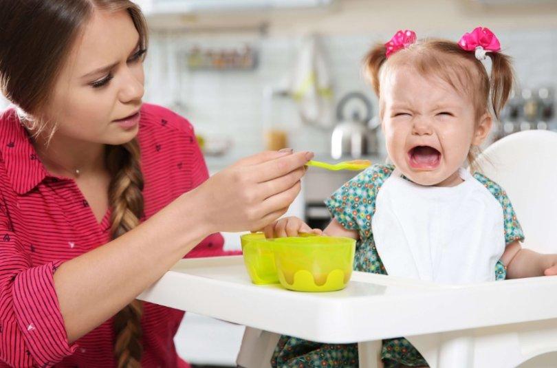 Enfant difficile à table : comment le gérer?