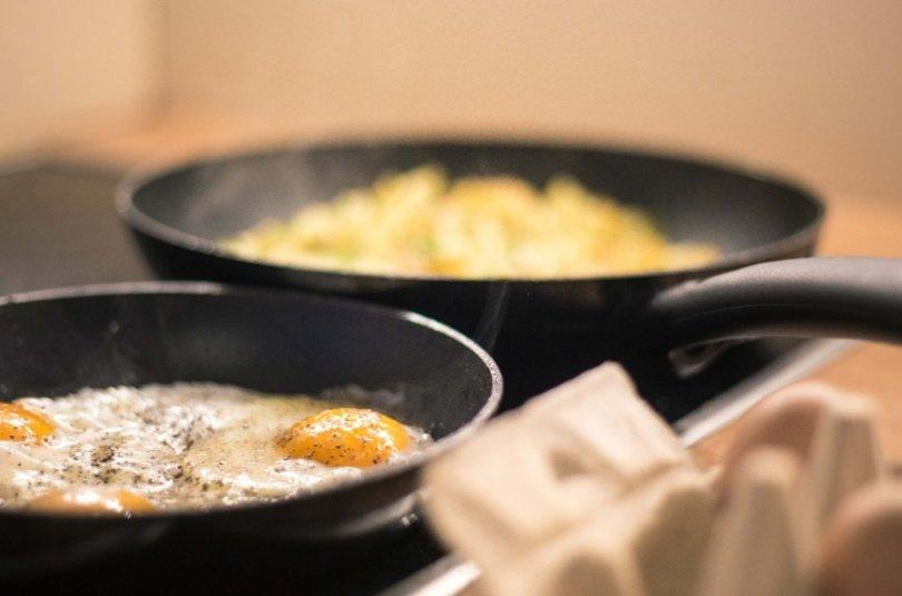 Cuire la viande, le poisson ou les œufs